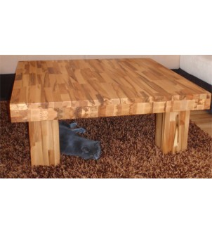 Duży drewniany stolik kawowy